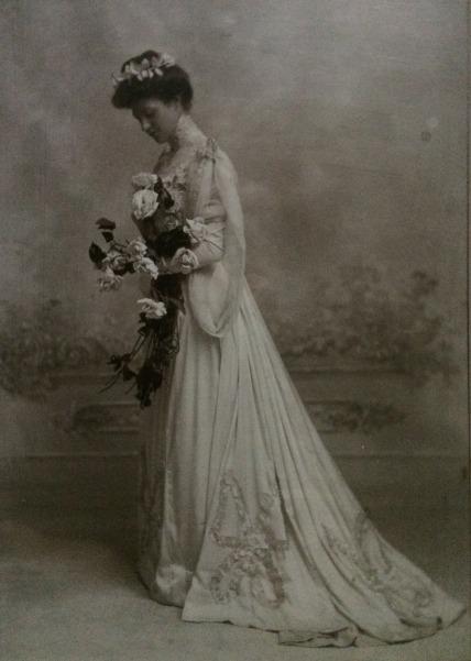 Heike_Eleonore_weddingdress